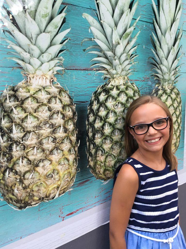hawaii blues girl and pineapple